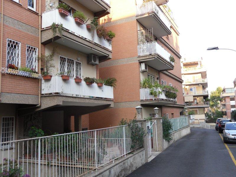 Immobile Adiacenze Nostra Signora di Lourdes 3 Posti Auto e Cantina - Foto 2