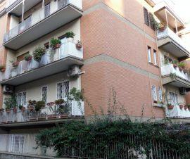 Immobile Adiacenze Nostra Signora di Lourdes 3 Posti Auto e Cantina