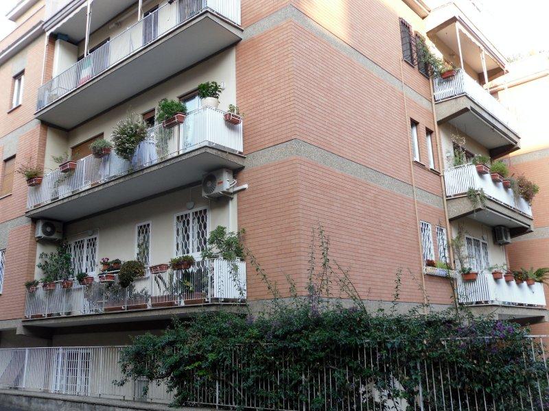 Immobile Adiacenze Nostra Signora di Lourdes 3 Posti Auto e Cantina - Foto 1