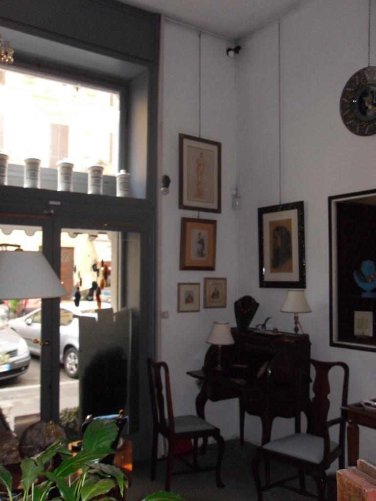 Locale Commerciale Piazza Mazzini - Foto 1