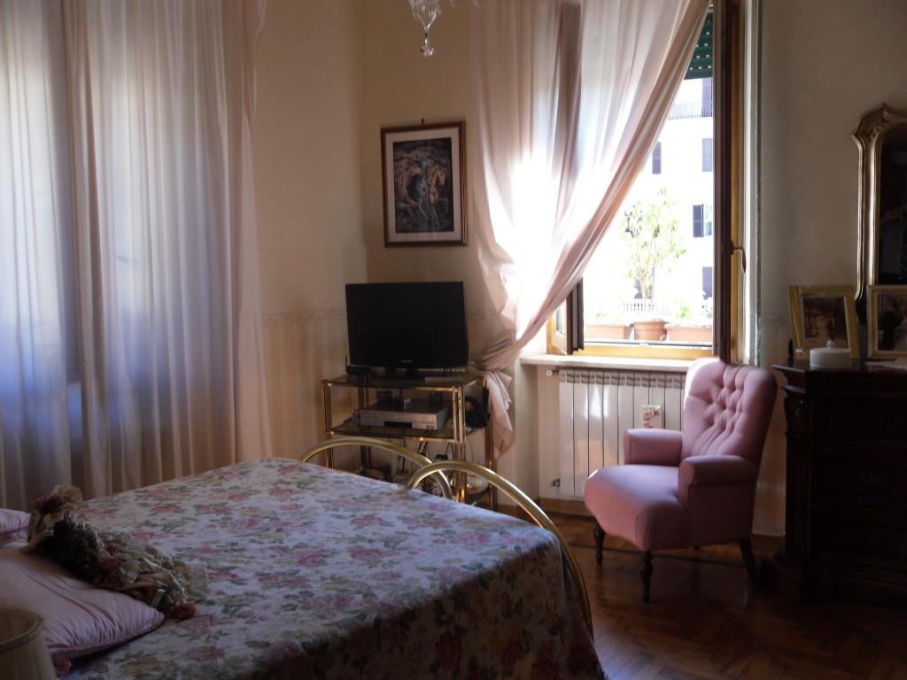 Borgo Pio vista su Castel Sant'Angelo - Foto 12