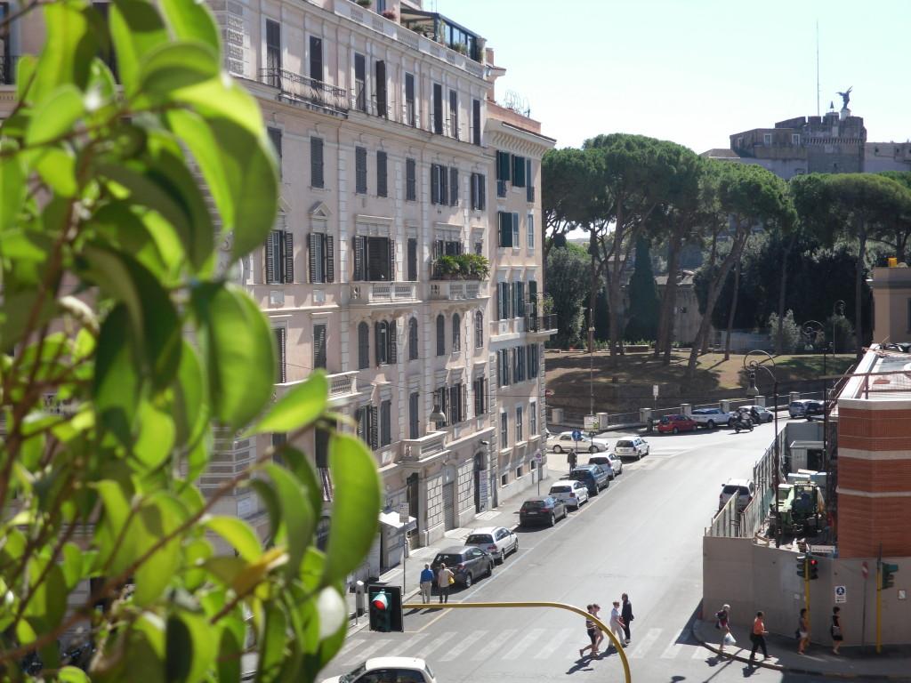 Borgo Pio vista su Castel Sant'Angelo - Foto 1