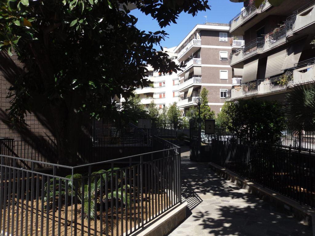 Roma – Conca D'Oro – Ampio Appartamento Terrazzatissimo - Foto 2