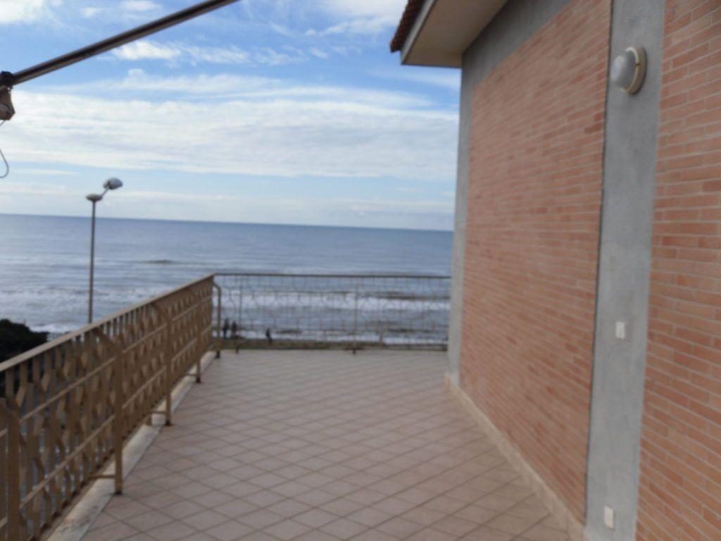 Tor San Lorenzo – Ardea – Attico Fronte Mare soli 10 mt dalla Spiaggia - Foto 6