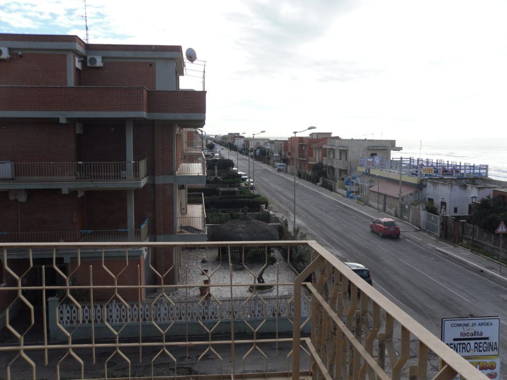 Tor San Lorenzo – Ardea – Attico Fronte Mare soli 10 mt dalla Spiaggia - Foto 8