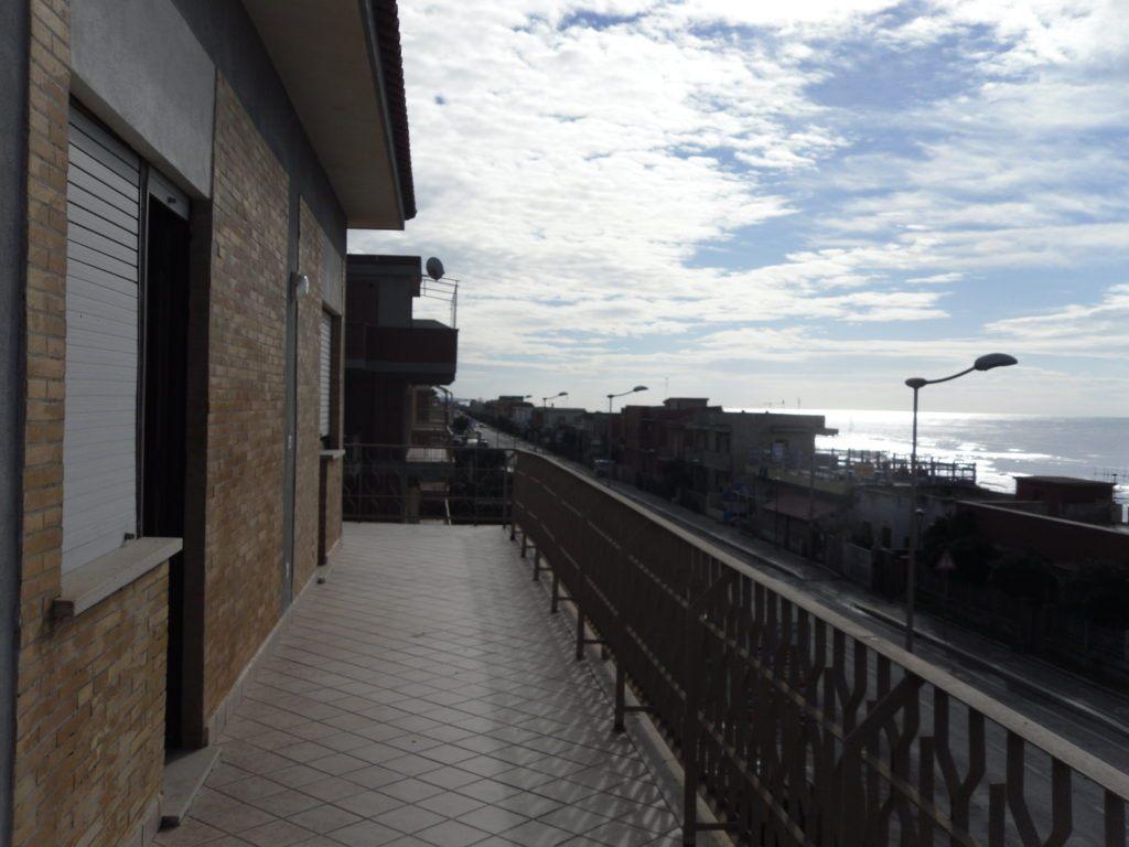 Tor San Lorenzo – Ardea – Attico Fronte Mare soli 10 mt dalla Spiaggia - Foto 10