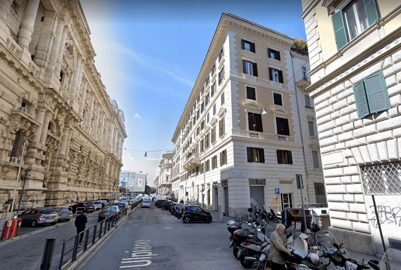 Roma Piazza Cavour Locale C/1 Tre Vetrine – Più Sottostante Locale C/2 - Foto 2
